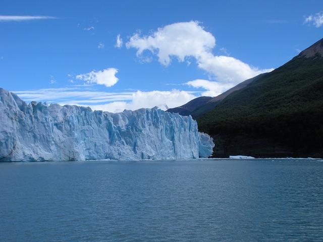 glacier-701783_640