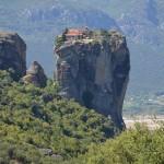 ギリシャの修道院 崖の上の世界遺産メテオラは男子禁制?