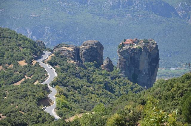 ギリシャ 天空 修道院
