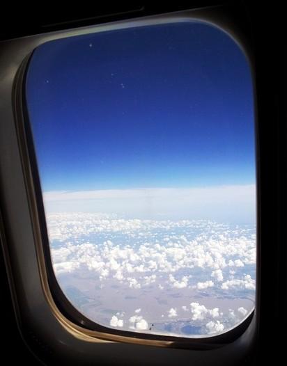 ニューヨーク飛行機の窓